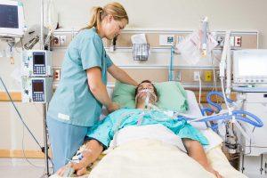 Diplomado Cuidados de Enfermería en Paciente Critico Adulto