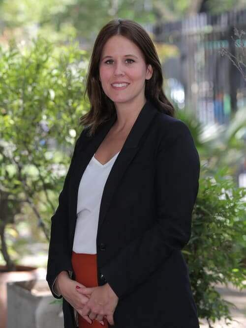 Directora de Postgrado y Educación Continua. Vicerrectoría Académica